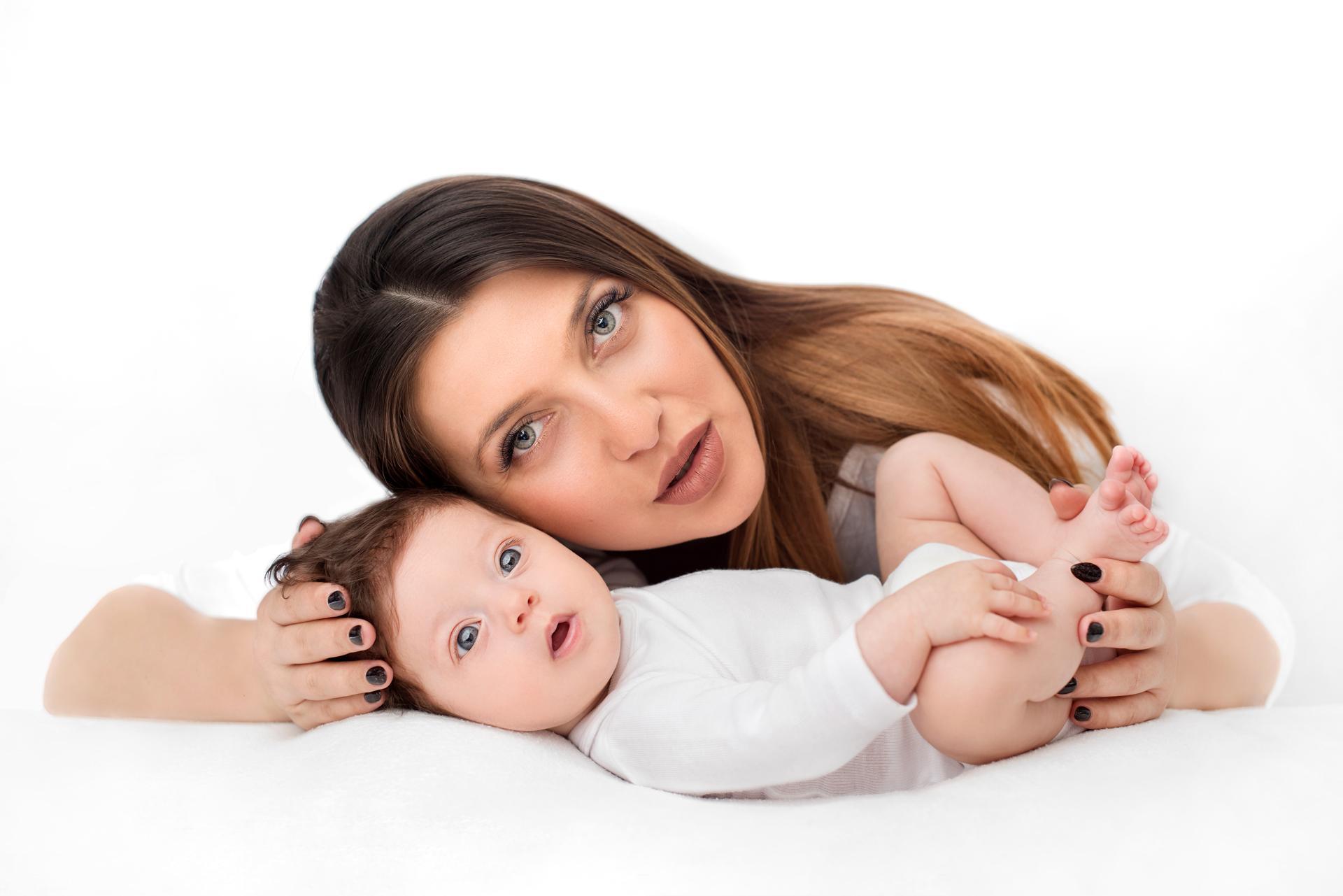 Бяла фото сесия #бялатасесия мама и бебе